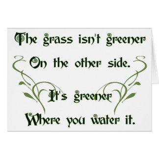 Haga el más verde de hierba tarjeta de felicitación