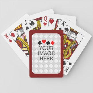 Haga fácilmente sus los propios en un paso en el barajas de cartas