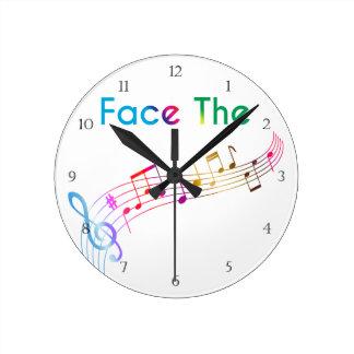 Haga frente a la música reloj redondo mediano