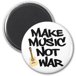Haga guerra de la música no la guitarra acústica imán redondo 5 cm