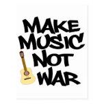 Haga guerra de la música no la guitarra acústica postales