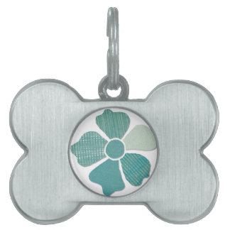 Haga juego cualquier falsa flor del collage de la placa de nombre de mascota