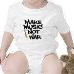 Haga la música, no guerra acústica camisetas