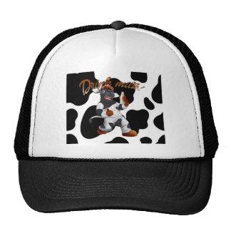 Haga la vaca de leche de la bebida de las vacas gorras de camionero