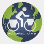 Haga las millas, no guerra pegatinas redondas