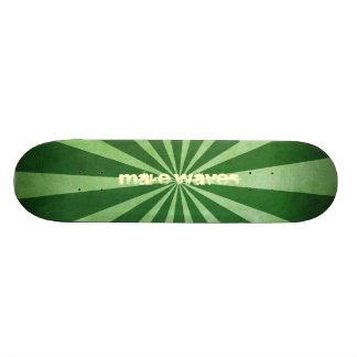 Haga las ondas el monopatín verde del vórtice patines