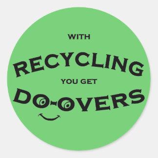 Haga los excedentes que reciclan el mensaje es div pegatina