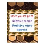 Haga los pensamientos positivos - deje para salir  postal