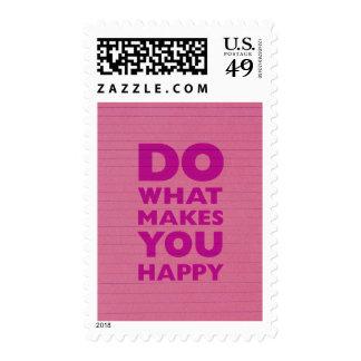 Haga qué le hacen el papel rosado feliz del franqueo