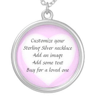 Haga su propio collar del corazón del rosa de la p