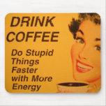 Haga un anuncio más rápido del café del vintage de tapetes de raton