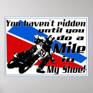 Haga una milla en MI zapato…. Posters