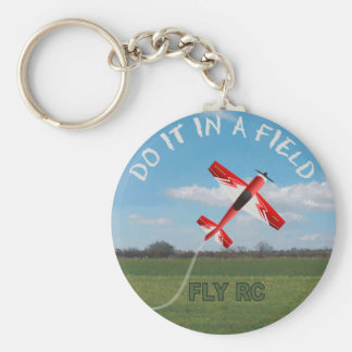 Hágalo en un campo, mosca RC Llavero Redondo Tipo Pin