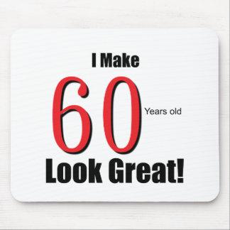 ¡Hago 60 años de la mirada grandes! Alfombrillas De Ratón