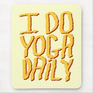Hago el diario de la yoga. Amarillo Alfombrilla De Raton