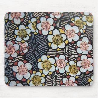 HAIKU/ BLACK WHITE PINK SPRING FLOWERS MOUSE PAD