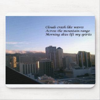 Haiku hawaiano de la salida del sol tapetes de ratones