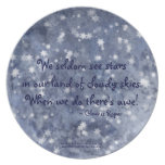 Haiku nublado de la estrella del cielo azul plato