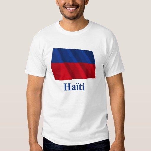 Haití que agita la bandera civil con nombre en polera