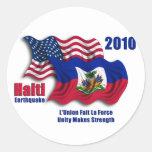 Haitiano y banderas que agitan americanas para pegatinas redondas