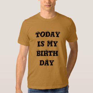 Hakuna Matata es hoy mi camiseta del cumpleaños Remeras
