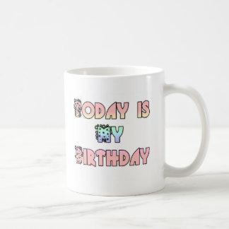 Hakuna Matata Gifts Today is my Birthday.png Coffee Mug