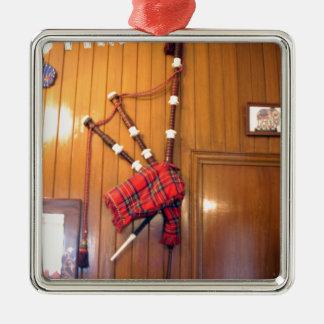 Hakuna Matata Scotland Musical bagpipe Gifts.png Metal Ornament