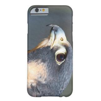 Halcón de peregrino en perfil funda de iPhone 6 slim