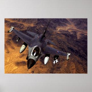 Halcón que lucha F-16 Posters