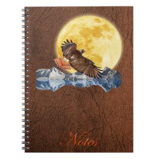Halcón y luna Rojo-Atados en el cuaderno de la imi