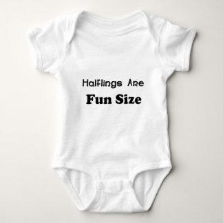Halflings es tamaño de la diversión playera