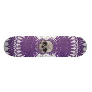 Halftone Skull & Radial Graphics: Skateboard