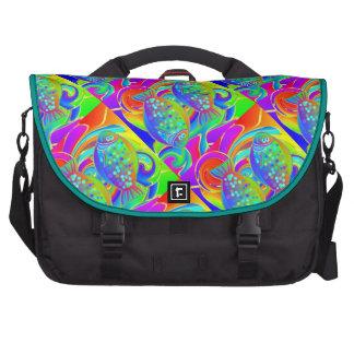 Halibut coloreado arco iris bolsas de portátil