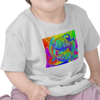 Halibut coloreado arco iris camisetas