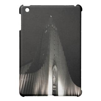 Hallgrimskirkja church at night iPad mini case