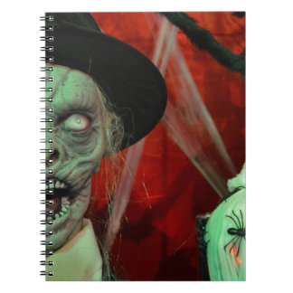 halloween-9907-scarry-ugly-zombie-undead, cuaderno