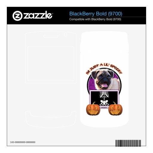 Halloween - apenas un Lil fantasmagórico - barro a Calcomanía Para BlackBerry Bold