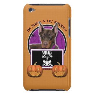 Halloween - apenas un Lil fantasmagórico - Doberma iPod Touch Fundas
