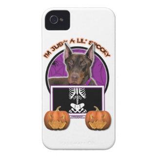 Halloween - apenas un Lil fantasmagórico - Doberma iPhone 4 Protectores