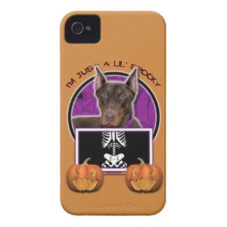 Halloween - apenas un Lil fantasmagórico - Doberma iPhone 4 Case-Mate Coberturas