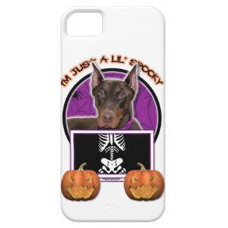 Halloween - apenas un Lil fantasmagórico - Doberma iPhone 5 Case-Mate Cárcasa