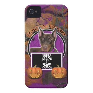 Halloween - apenas un Lil fantasmagórico - Doberma Case-Mate iPhone 4 Funda