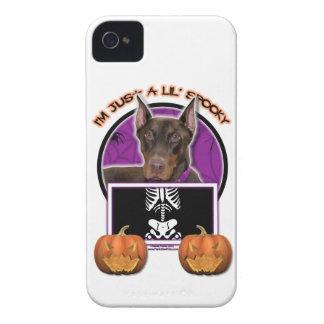 Halloween - apenas un Lil fantasmagórico - Doberma iPhone 4 Carcasas