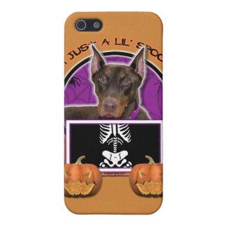Halloween - apenas un Lil fantasmagórico - Doberma iPhone 5 Coberturas