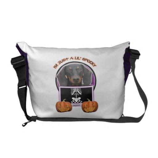Halloween - apenas un Lil fantasmagórico - Doxie - Bolsa De Mensajería