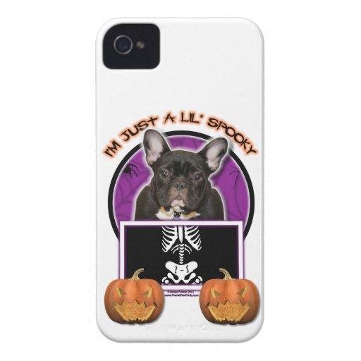Halloween - apenas un Lil fantasmagórico - Frenchi iPhone 4 Case-Mate Protectores