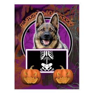 Halloween - apenas un Lil fantasmagórico - pastor Tarjetas Postales
