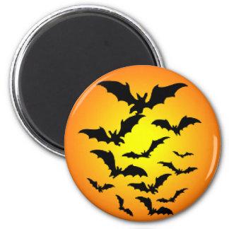 Halloween bats full moon round magnet