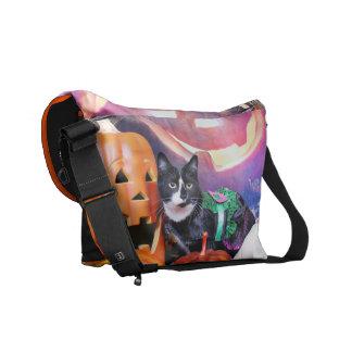Halloween - Cat - Daisy Messenger Bag