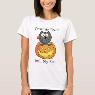 Halloween- Cat inside Pumpkin T-Shirt